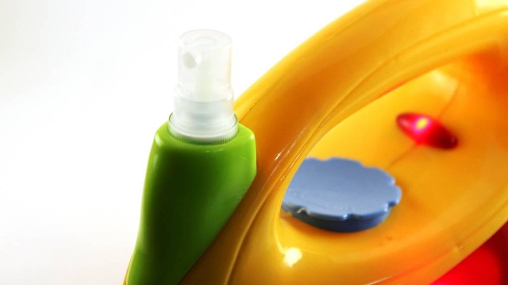 Утюг игрушечный со световыми и звуковыми эффектами 08010