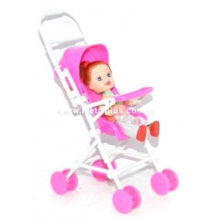 Куколка в коляске