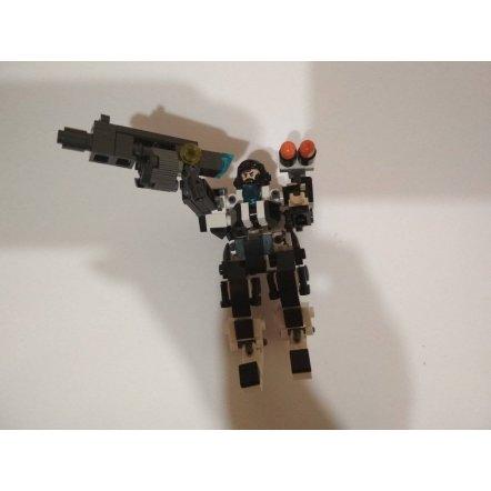 Конструктор трансформер Космический воин  140 деталей 621001-006