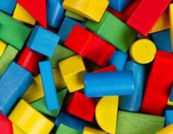 Деревянные игрушки - хит продаж в любое время года!!