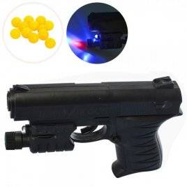 Пистолет пластиковый на пульках 0621B